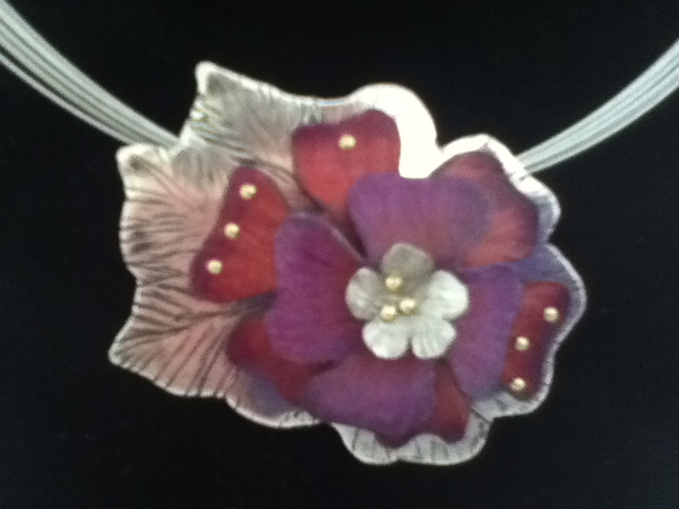 Flower (pendant/brooch) - SOLD
